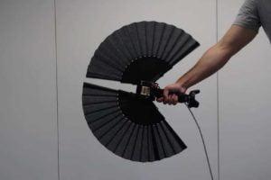 Fächercontroller simuliert Haptik durch Formveränderung