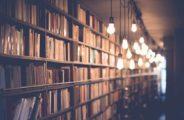 Forscher haben mit Hilfe Künstlicher Intelligenz neue Erkenntnisse aus bereits veröffentlichten wissenschaftlichen Arbeiten gewonnen. Möglich war das durch komplexe Wort-Statistik.