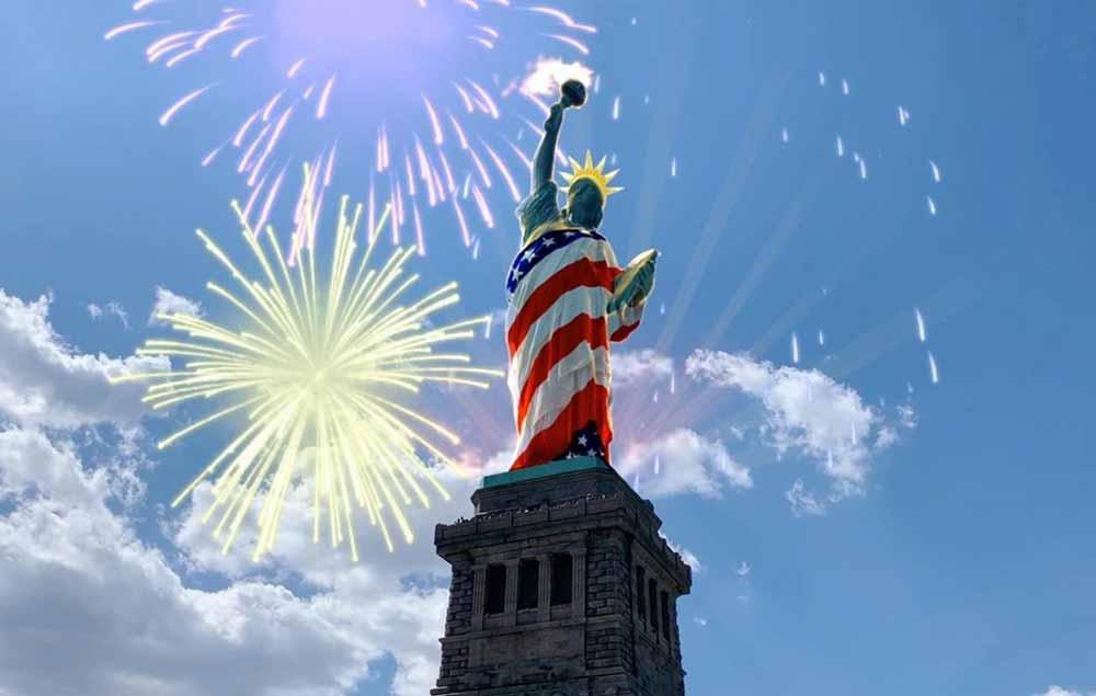 4. Juli in AR: Die Freiheitsstatue trägt jetzt die US-Flagge als Kleid