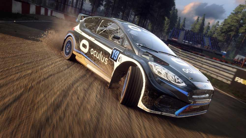 Rally-Rennwagen mit Oculus-Lackierung