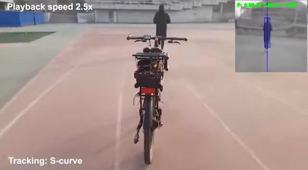 China baut neuartigen KI-Chip – und fährt damit Fahrrad