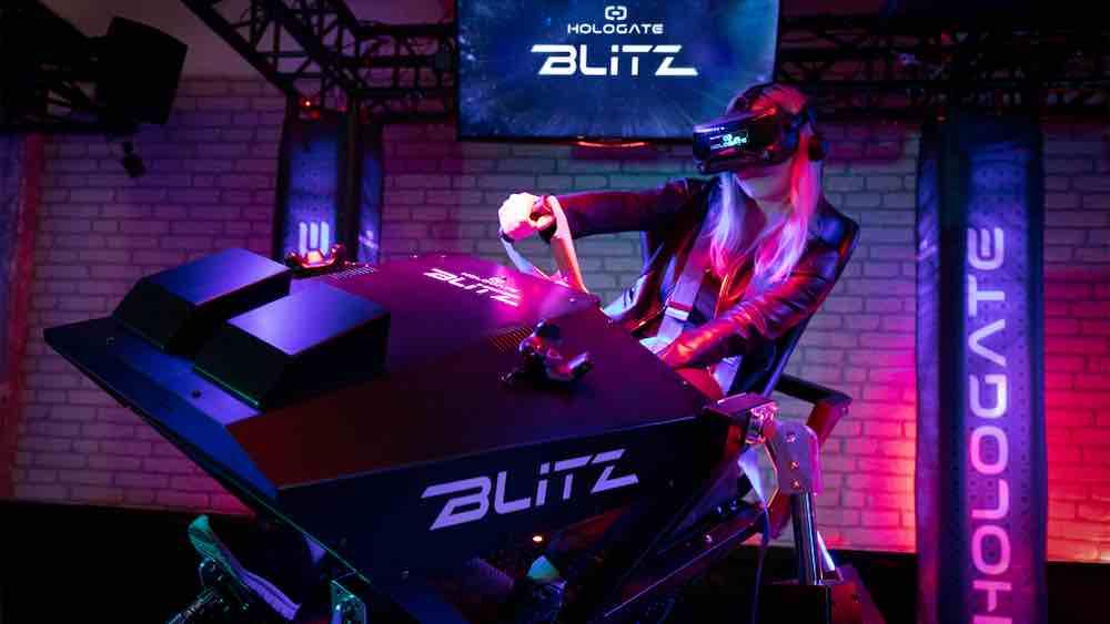 Der Münchner VR-Arcade-Ausrüster Hologate stellt ein neues Produkt vor: einen VR-Bewegungssimulator mit dem Namen Hologate Blitz.