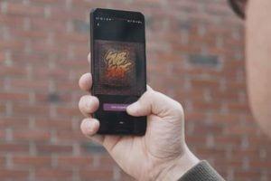 Mark AR soll die erste Social-AR-Plattform werden: Nutzer können an realen Orten dauerhaft digitale Graffitis hinterlassen.