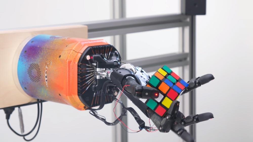Ausgewürfelt: OpenAI schließt Roboter-Abteilung