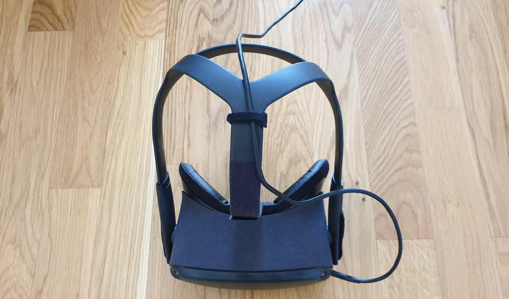 Befestigung Oculus Link Kabel an Oculus Quest mittels Klettband