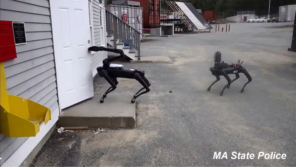 Die US-Polizei testet Spot Mini von Boston Dynamics. Bürgerrechtler fordern Aufklärung.