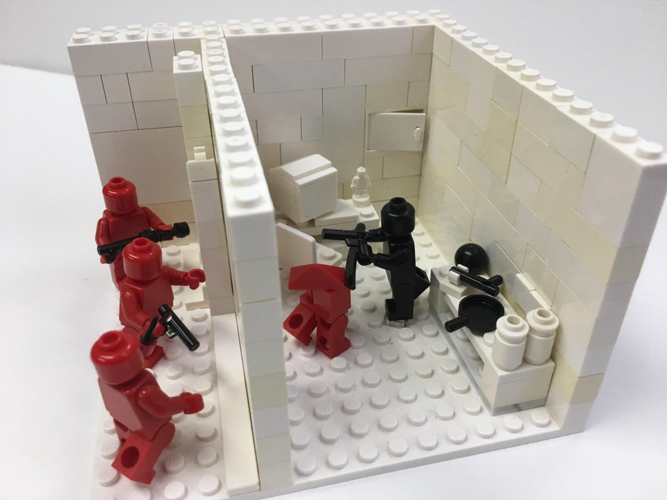   Superhot VR Lego