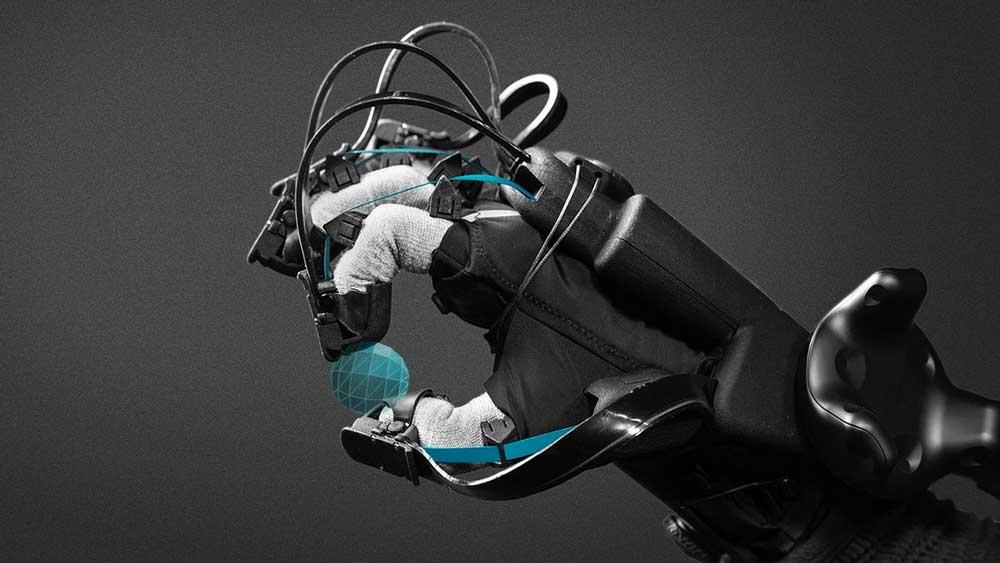 Der XR-Handschuh von HaptX soll einen neuen 3D-Interaktionsstandard mit Feingefühl schaffen. Eine Millionenförderung wird dabei helfen.