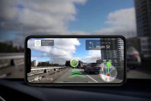 Phiar zeigt Autofahrern in Echtzeit AR-Navigationshilfen in der Kameradurchsicht an.