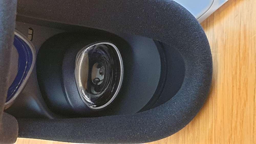 Blick auf die Linsen Oculus Quest 2 mit Sehstärkeeinsätzen vom VR Optiker