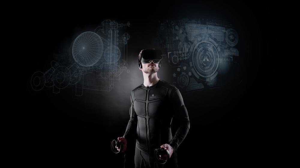 Teslasuit im Einsatz mit VR-Brille