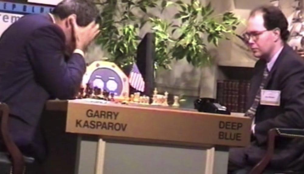 Mehr als zwanzig Jahre nach seiner Niederlage schlägt Kasparov versöhnliche Töne an.