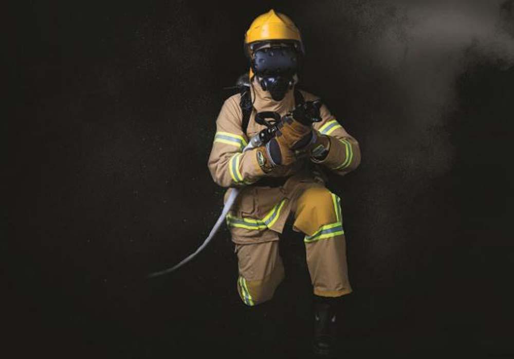 In VR sollen Feuerwehrleute regelmäßig schnell und einfach Situationen üben, für die das Training in echten Umgebungen aufwendig oder sogar unmöglich ist.