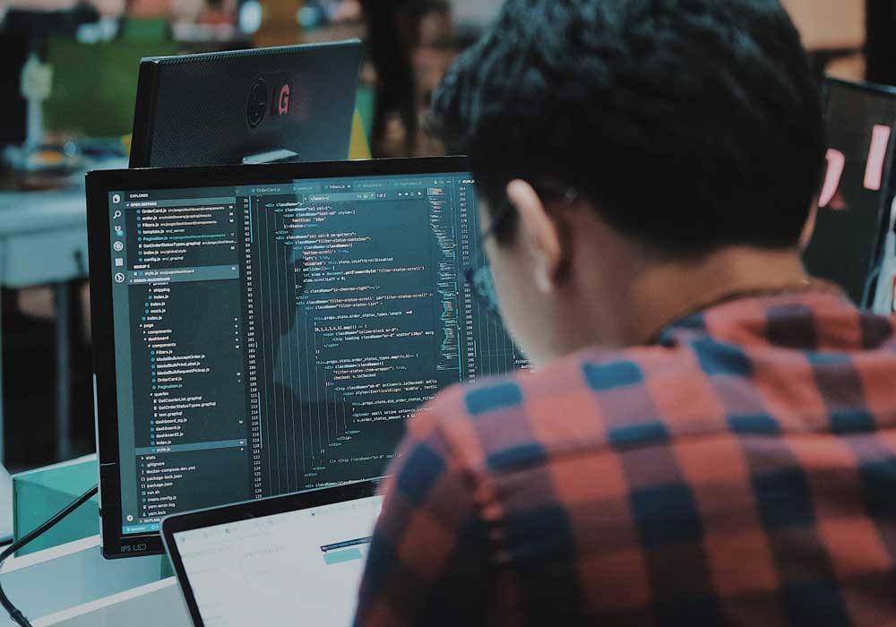 """Gute Entwickler werden sowieso gesucht, laut der US-Jobbörse """"Hired.com"""" stieg 2019 insbesondere die Nachfrage nach VR- und AR-Spezialisten."""