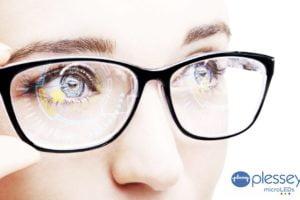 Der britische Displayhersteller Plessey wird in den nächsten Jahren exklusiv mit Facebook zusammenarbeiten.