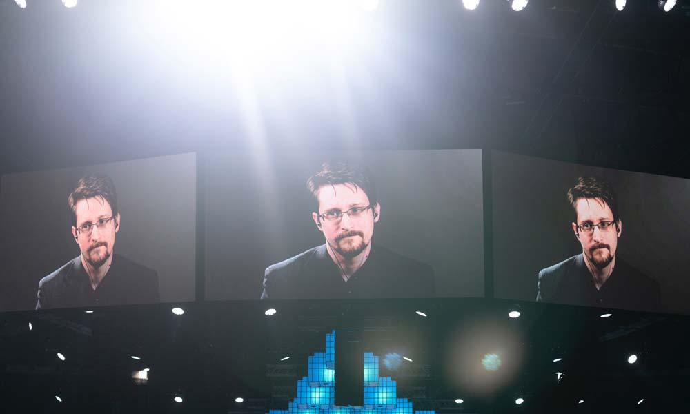 Edward Snowden: Corona-Pandemie könnte in KI-Dystopie führen