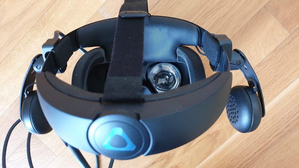 Vive Cosmos Halo-Kopfhalterung von hinten mit Drehknopf zur Justierung