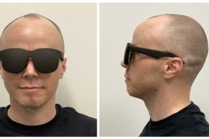 Facebook-Forscher zeigen eine VR-Brille, die fast so schlank ist wie eine gewöhnliche Sonnenbrille. Doch der Prototyp hat einige Haken.