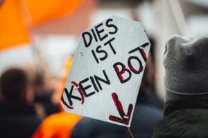 Social Bots beeinflussen die öffentliche Meinung über die sozialen Medien – Automatisierung und KI-Zauber sei Dank. Oder vielleicht doch nicht?