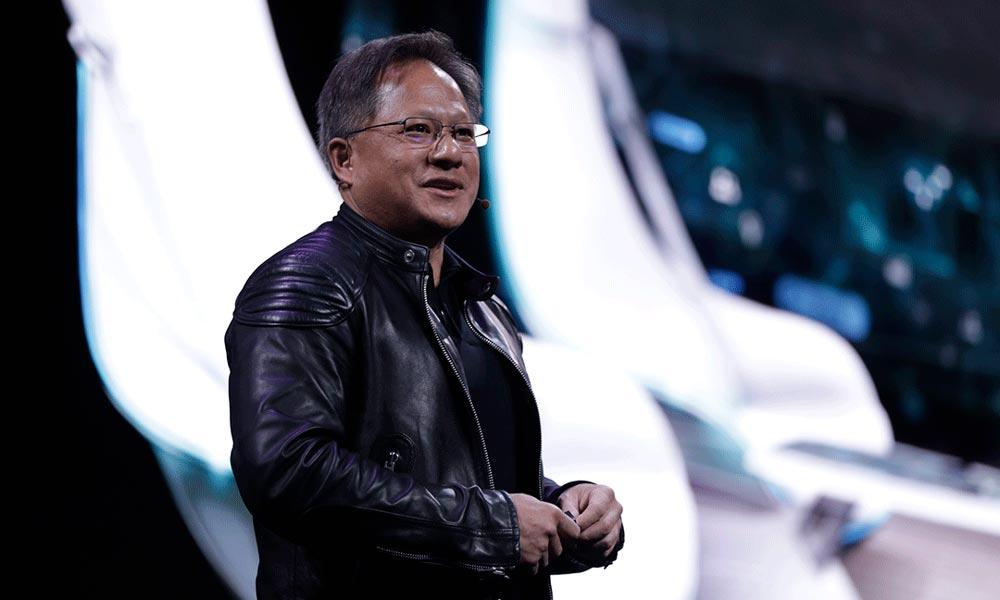 Nvidia-Chef Jensen Huang spricht auf einer Bühne.