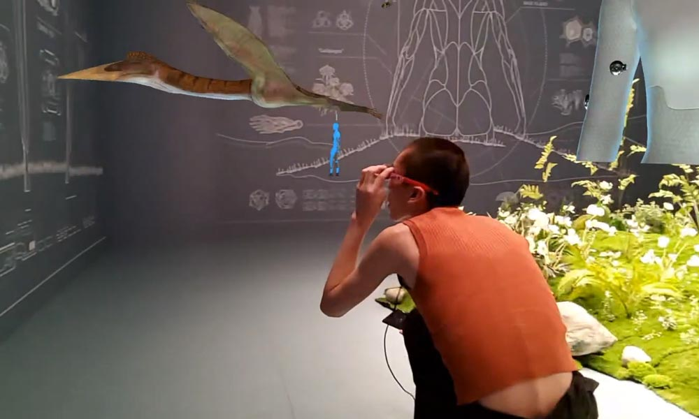Im Nobelkaufhaus Galeries Lafayette in Shanghai zeigt Nreal eine AR-Erfahrung zwischen Mode und Kunst.