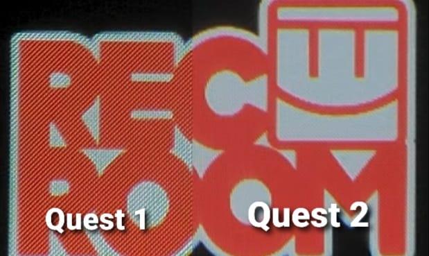 Display-Vergleich von Oculus Quest und Oculus Quest 2 anhand des Startbildschirms von Rec Room.