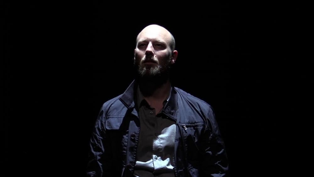 """Patrick Rupar in der Rolle des Schauspielers in John Clancys """"Event"""" als VR-Theateraufführung"""