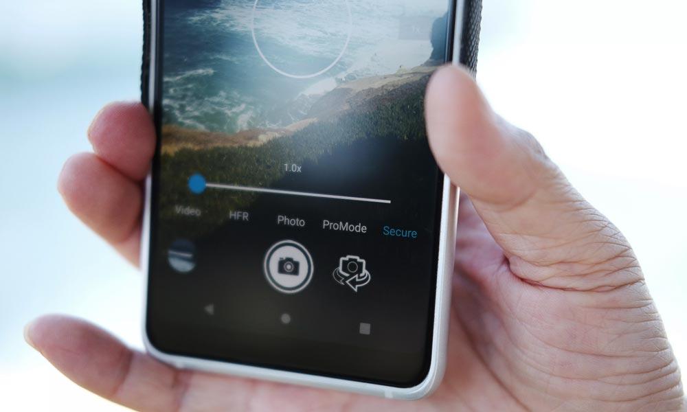 Ein Secure-Modus im Smartphone soll Originale authentifzieren und so vor Deepfakes schützen.