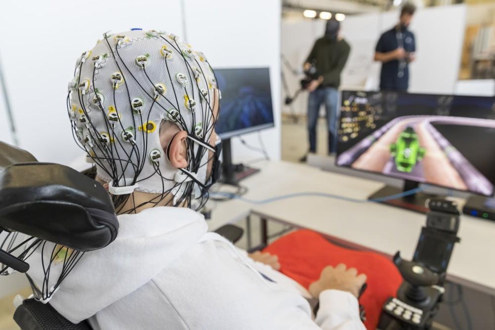 Brain Driver: Dieses Rennspiel zockt ihr mit Gedankenkraft