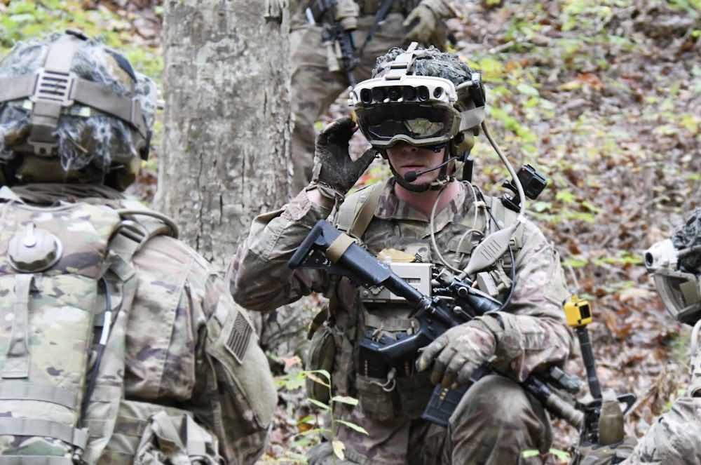 IVAS_Härtetest_Soldat_mit_Militär_Hololens