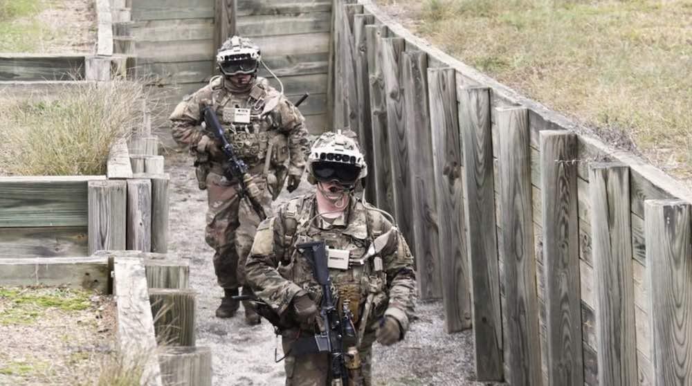 IVAS_Härtetest_Soldaten_im_Schützengraben_mit_Militär-Hololens