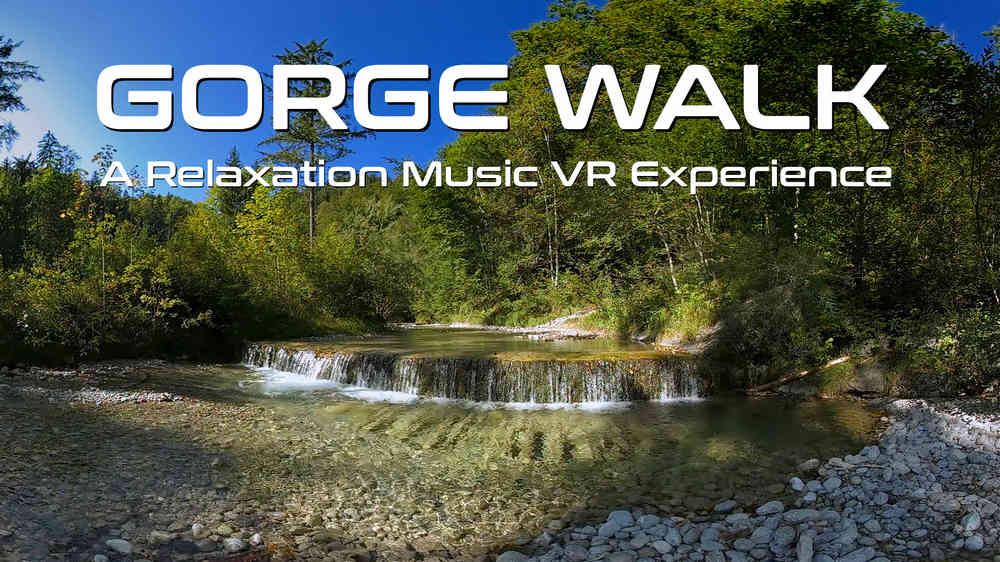 Blick auf eine kleine Wasserstufe in einem Fluss im Wald in der VR-Erfahrung Gorge Walk