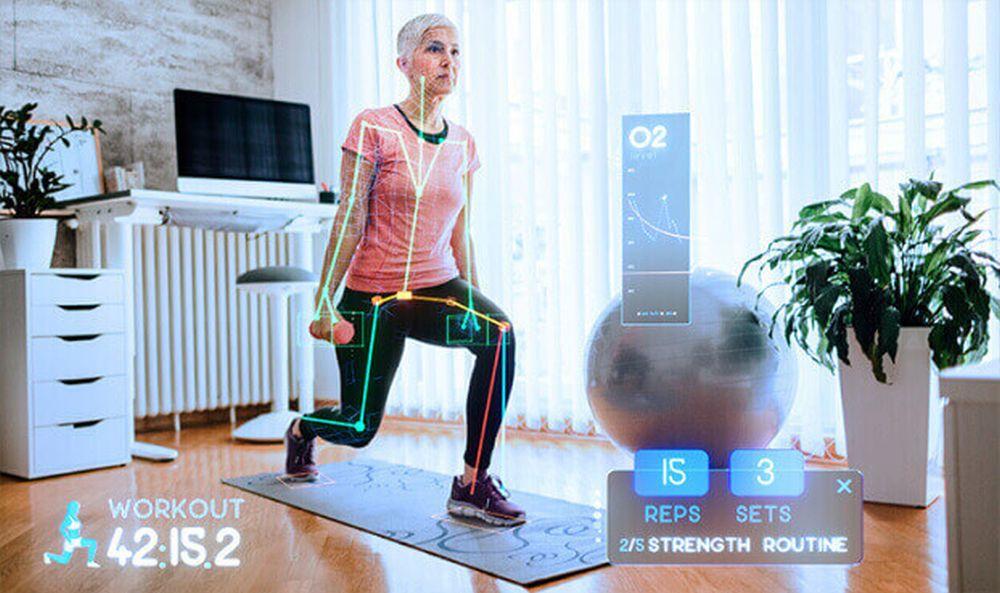 Die Bewegungen einer Frau werden von Microsofts Azure Kinect Kamera analysiert.