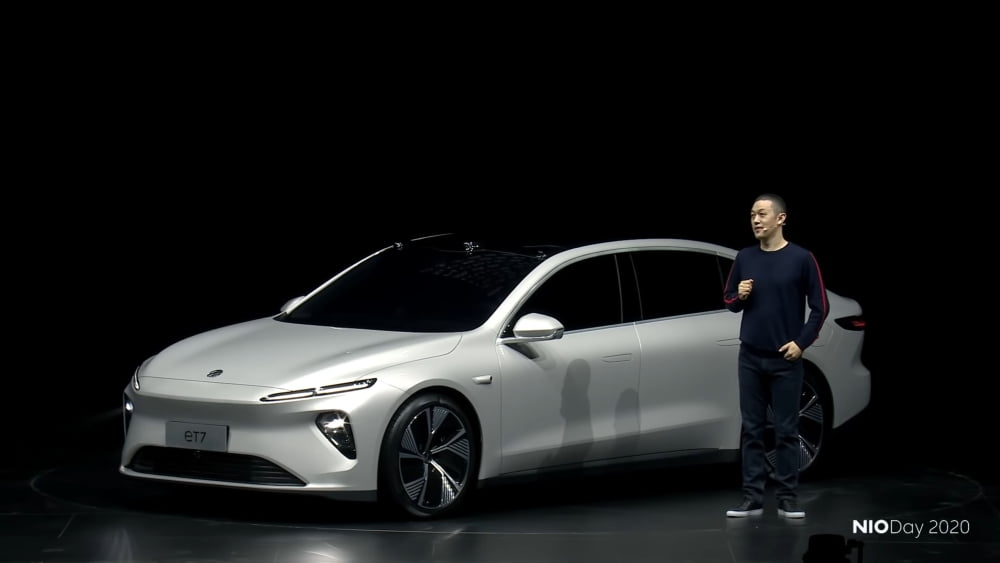 Der chinesische Automobilhersteller NIO stellt seine neue elektrisch betriebene smarte Limousine ET7 vor.