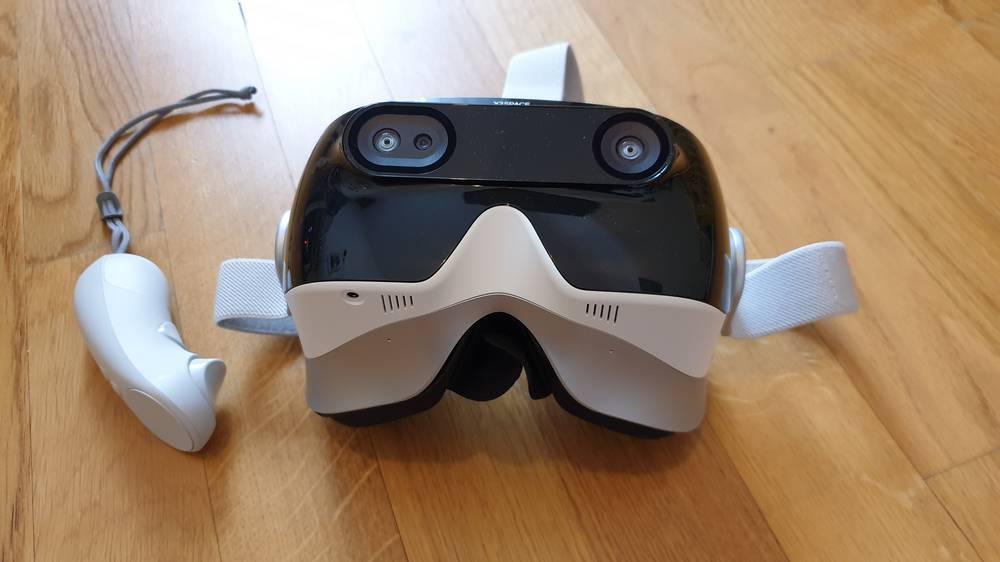 Ansicht der Front der XRSPACE VR-Brille Mova