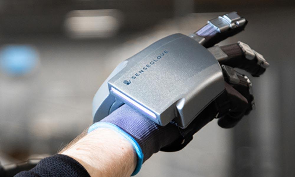 Senseglove Nova: Neuer VR-Handschuh zieht an euren Fingern