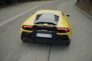 Sprach-KI Alexa steuert künftig das Cockpit des Lamborghini Huracáns.