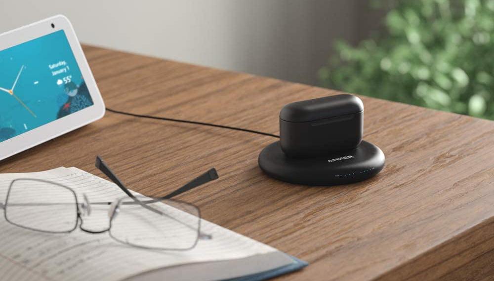 Das kabellose Lade-Etui für die Amazon Echo Buds 2.
