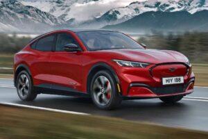 | Ford Mustang Mach E faehrt kuenftig autonom durch die USA
