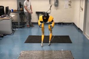 Zweibeiniger Roboter