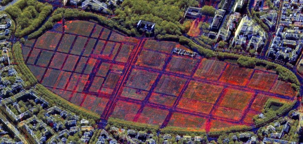 Das mit RADIAN aufbereitete Bild markiert Veränderungen farblich und erleichtert die Bildanalyse, indem es etwa Verzerreffekte entfernt.   Bild: DLR