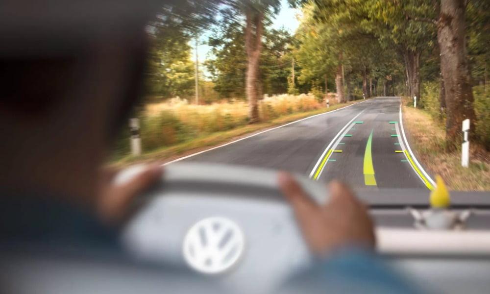 Das AR-Head-up-Display im Konzeptauto Volkswagen ID. BUZZ.