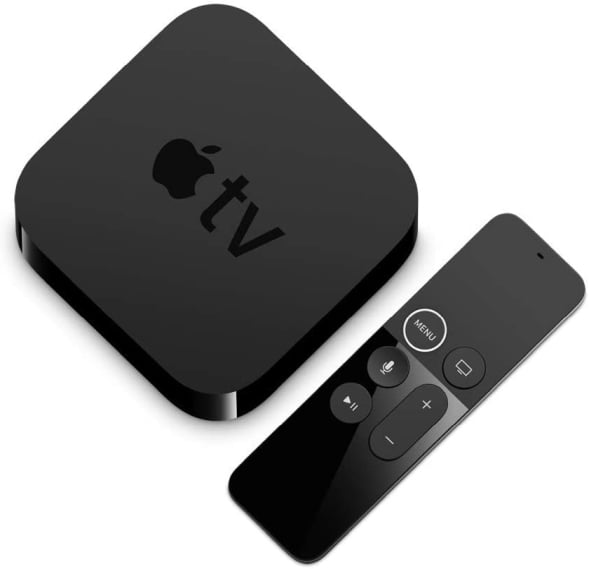 Die Apple TV Set-Top-Box mit Fernbedienung.